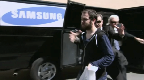 Samsung kidnaps iPhone 5 owner on 'Conan'